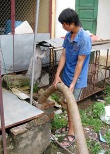 hut be phot thong tac cong tai nghi tam
